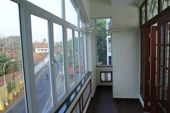 Ruby @ Fortbeach Apartments II - Kochi - Appartement