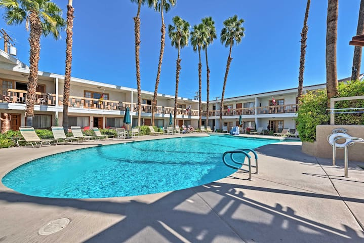 Palm Desert Studio w/ Pool - Near El Paseo & Golf!