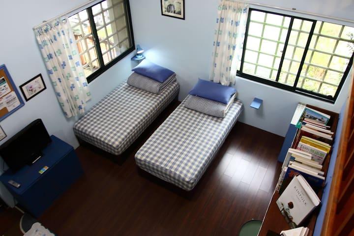 兩單床-布克時光雙人套房