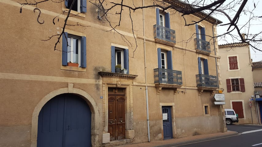 Maison vigneronne townhouse with large roofterrace