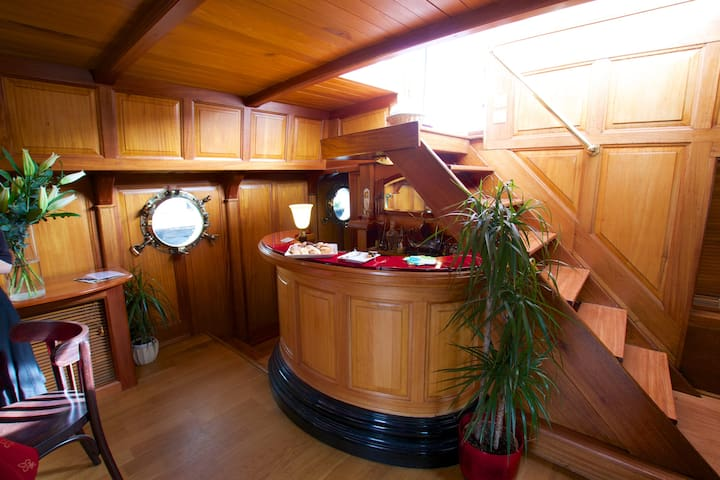 Tango - Luxury Boutique Canal Barge w/4 cabins - Aude - Boot