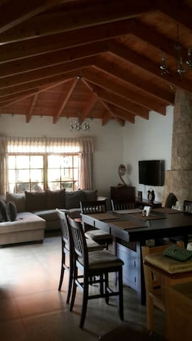 Cozy new house with 3 bedrooms excellent location - Panajachel - House