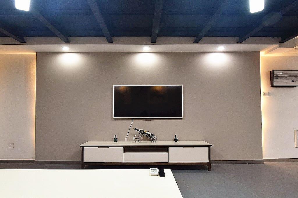 小米49吋智能电视,电影、连续剧、直播均可看