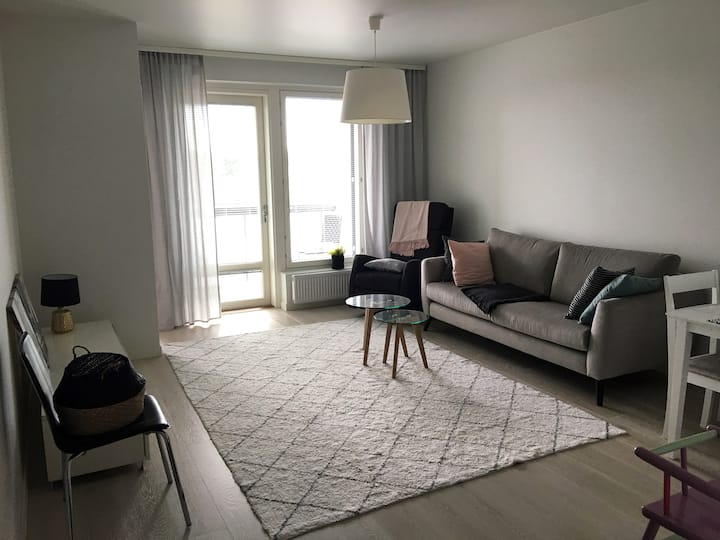 New and clean apartment near airport and train