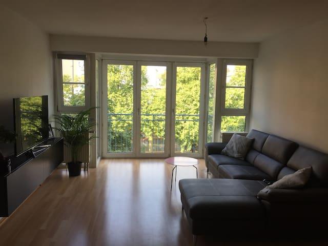 Nice flat very close to Wiesn! - München - Wohnung