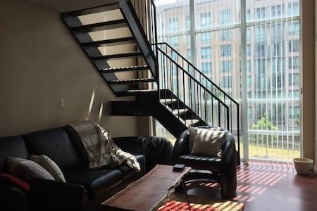 Loft in the heart of Richmond Hill - Richmond Hill - Loft-asunto