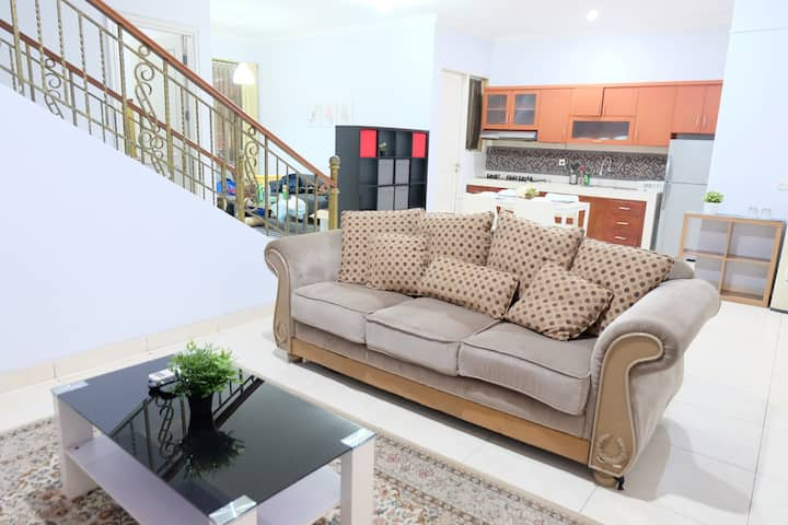Minimalist 3BR TownHouse in The Green BSD City