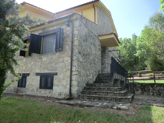 Casa de campo en el bosque, en sierra de Béjar - Peñacaballera