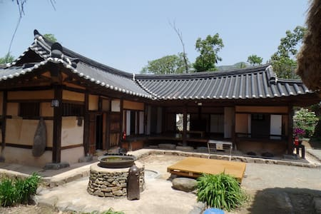 참판댁, 외암마을의 최대 16인 숙박 가능한 독채 민박 - Songak-myeon, Asan-si