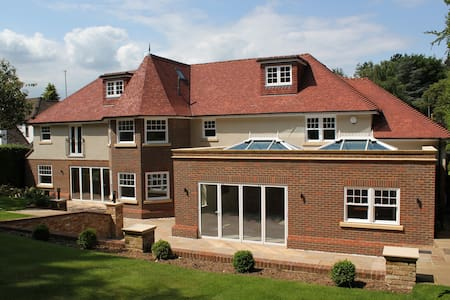 WD3 Rickmansworth -  Luxury Home up to 15 guests!! - Rickmansworth