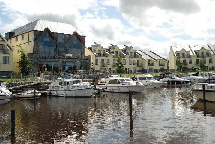 Penthouse overlooking the River Shannon - Leitrim - Huoneisto