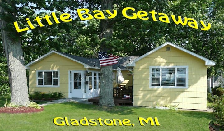 Little Bay Getaway Cottage near Park & Beach