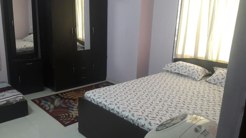 A Clean Airy Decent Room In Posh Locality of Baner