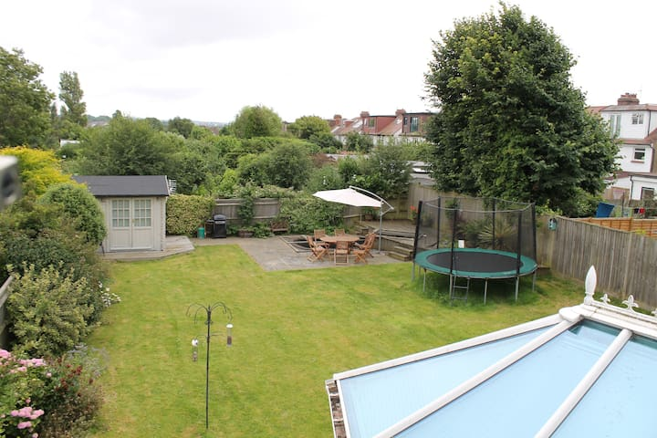 Family home with great garden in Hove - Hove - Casa