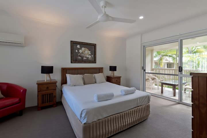 Tropical Nites- 1 Bedroom Port Douglas Townhouse