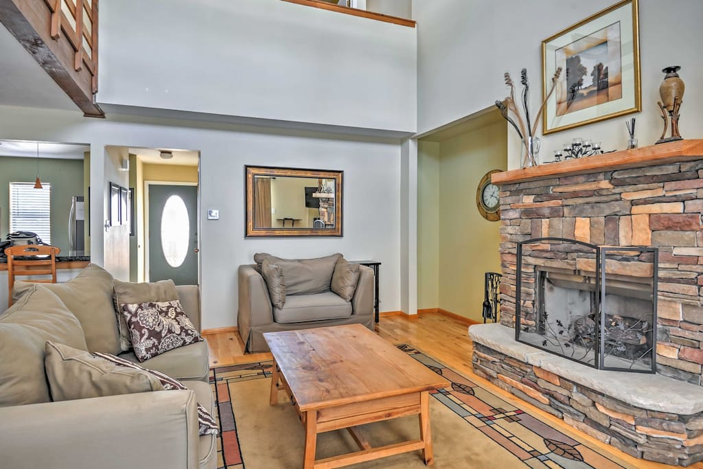 Curl up by the gas fireplace and warm your toes.