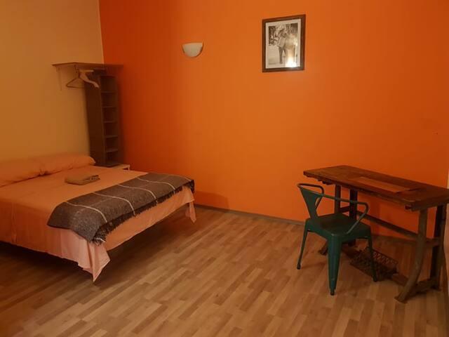 Room in downtown Tehuacan - NARANJA (#1)