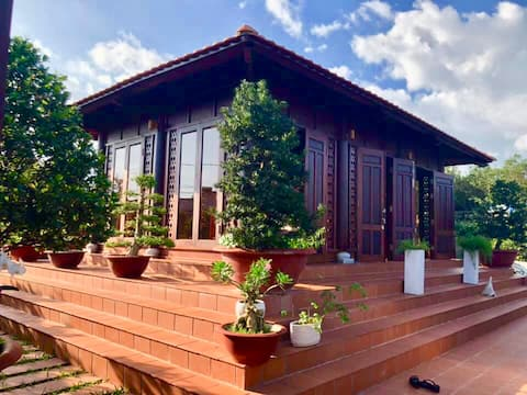 Beautiful Wood house getaway- 1h30 from HCM city