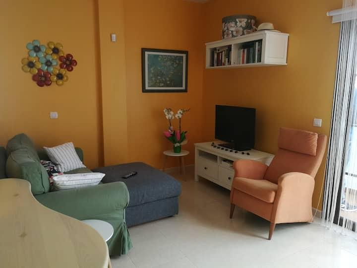 Bonito y luminoso apartamento a 2 min. de la playa