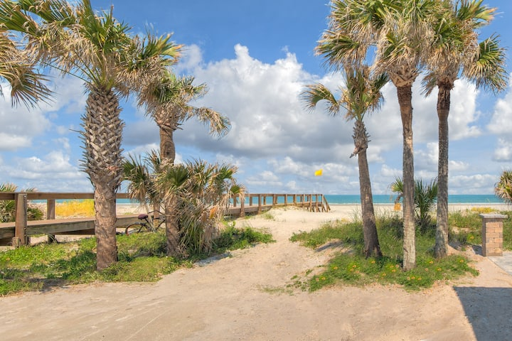 Opulent Blue #3 - Only 50 Feet to Sand - Sleeps 6