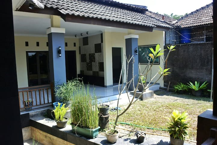 Modern and spacious house near Mendut Temple.