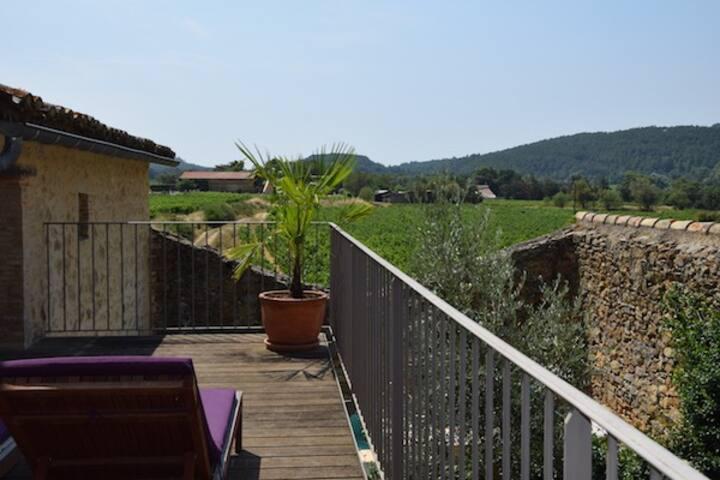 Les Jardins, maison de village avec piscine privée