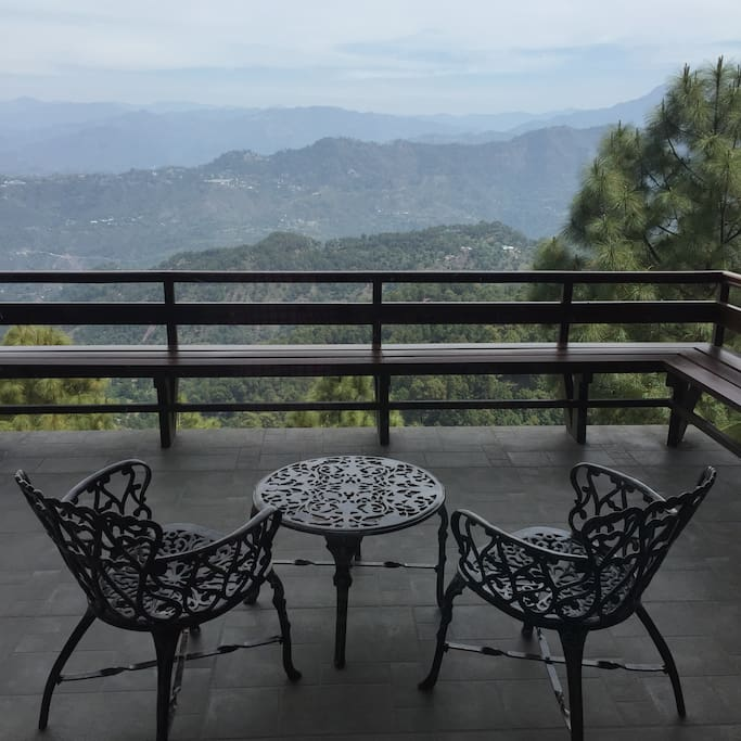 Attached balcony, with a gorgeous view of the mountain ranges