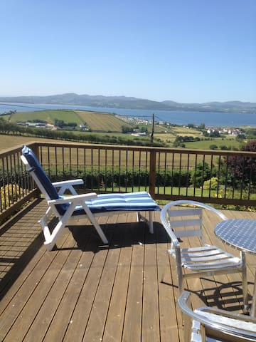 SpaciousHouse,sleeps10/unltd wifi/Buncrana,Donegal