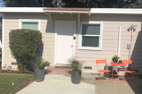 Private & Comfy Stay in East Sac (pets allowed)