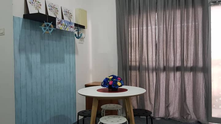 Spacious Room w/WIFI, near to Pontian Bus Station
