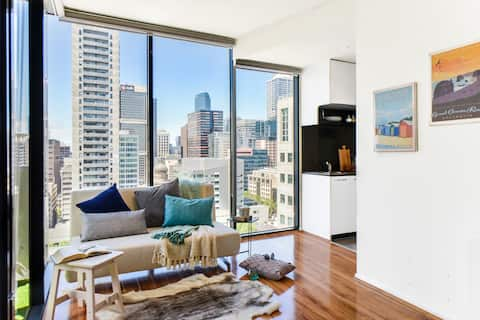 Downtown Living: Boutique Chic Apt@CBD central