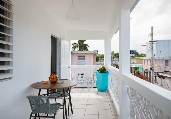 2 bed/terrace near beach & hip, local Loiza St