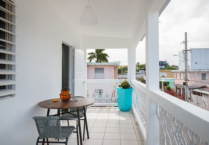 2 bed/terrace near beach & hip, local Loiza St