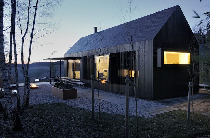 Haus am See mit direktem Zugang