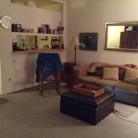 Shared area in a Van Nuys Apartment - Los Angeles - Pis