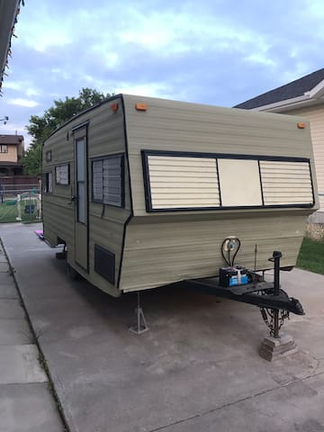 Cozy little trailer in Drumheller!