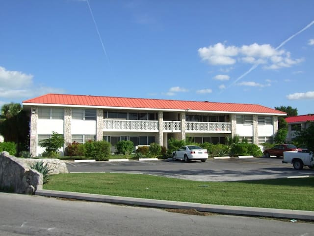 Condominium at Rum Cay Villas - Freeport - Condominium