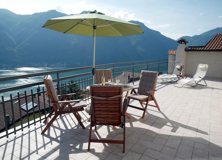Casa La Perla on lake Como with spectacular views