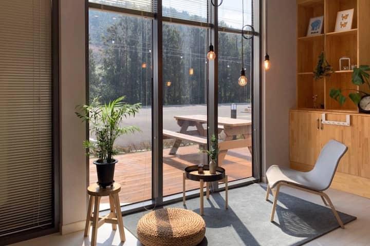 스트레인지맨션(102동):편백나무 건식사우나가 있는 독채펜션