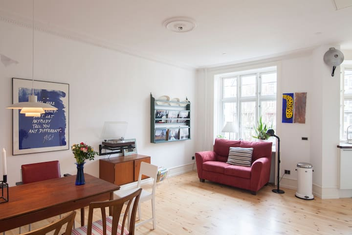 Vesterbro 2 room flat, newly renovated - Kopenhag