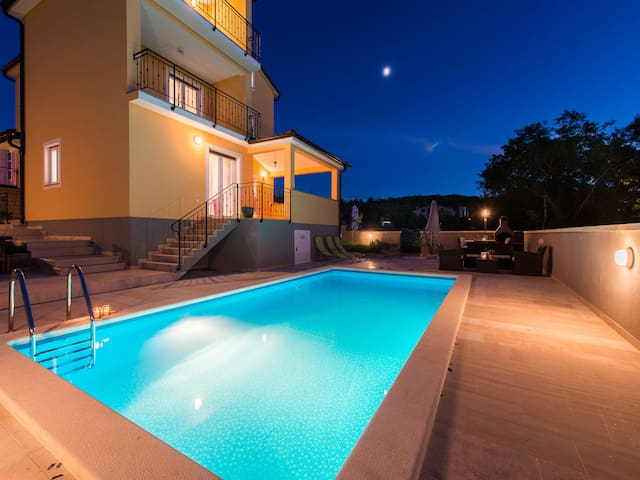 Villa Maklavun with private pool for 8 near Rovinj - Putini