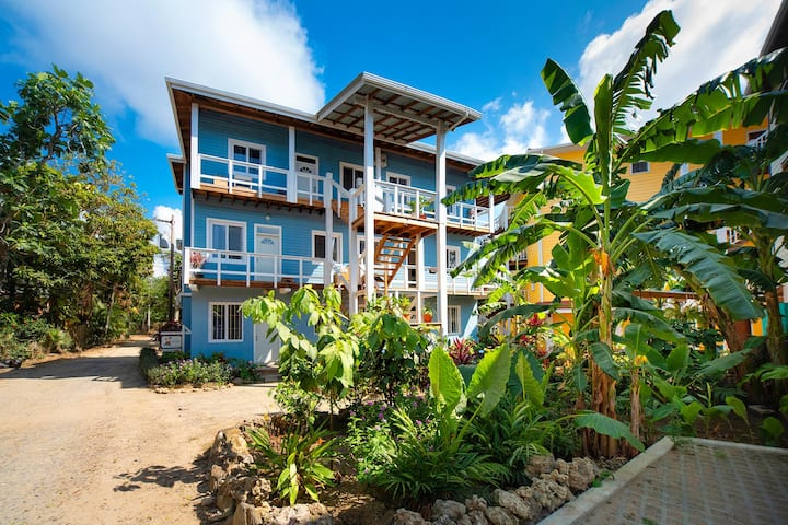 Quiet West End Apartment, Steps to the Beach!