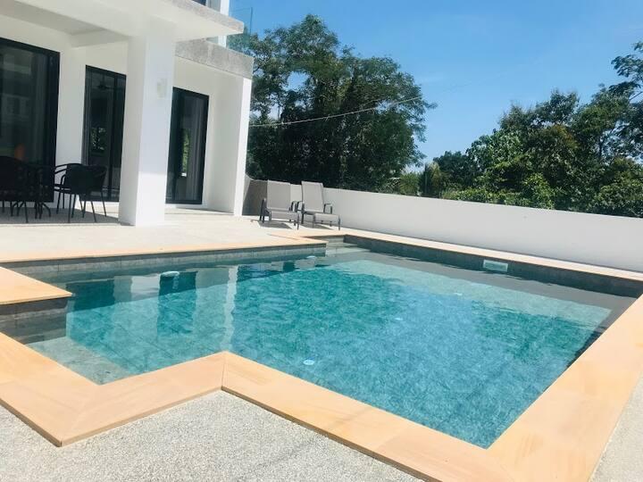 TAYLOR Made Villa