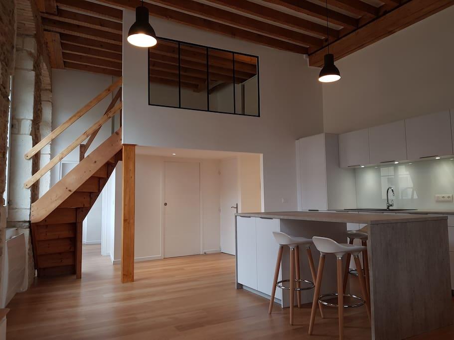 superbe canut au coeur de la croix rousse lyon. Black Bedroom Furniture Sets. Home Design Ideas