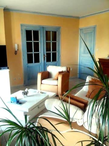 Appartement ensoillé très agréable dans une maison - Le Soler - Huoneisto