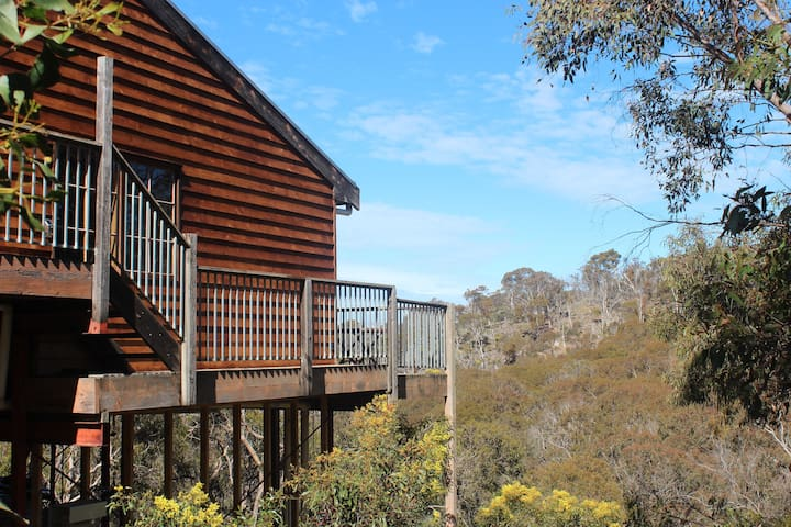 Hidden Valley House, 18 acres of private bushland