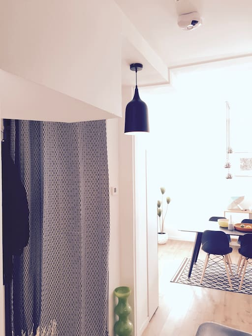 Entrées (chambre + sdb + cuisine)