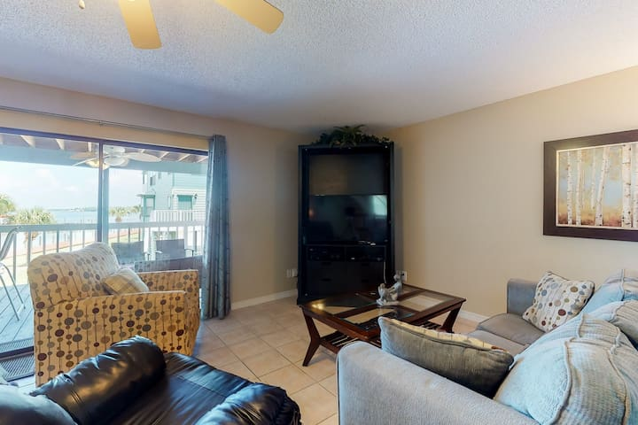 New listing! Bayfront condo w/ shared pool, dock access, & great location!