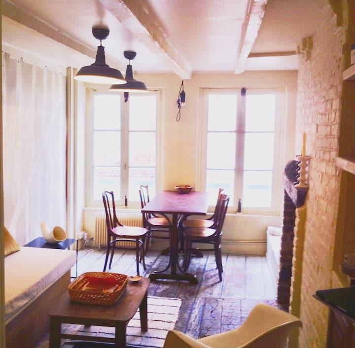 Jolie maison typique d'Honfleur, les Aristochats