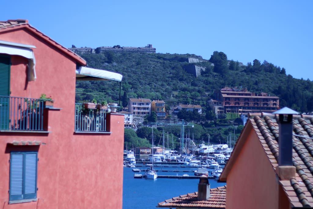 La casa rosa case in affitto a porto ercole toscana italia for Indipendenza del piano di cabina del mare